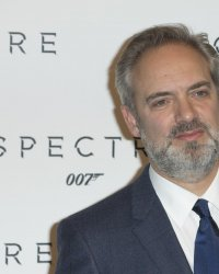 Après James Bond, Sam Mendes dirigera The Voyeur's Motel pour Spielberg
