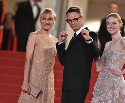 Nicolas Winding Refn montre les poings et Elle Fanning ensorcelle le red carpet