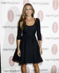 Sarah Jessica Parker lance sa ligne de petites robes noires
