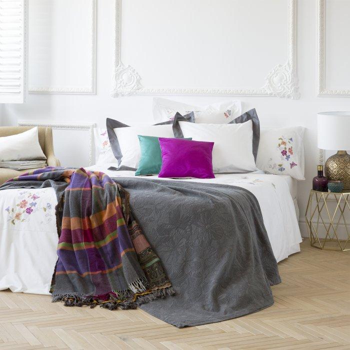 dix id es de parures de lit pour un hiver en mode cocooning sur orange tendances. Black Bedroom Furniture Sets. Home Design Ideas