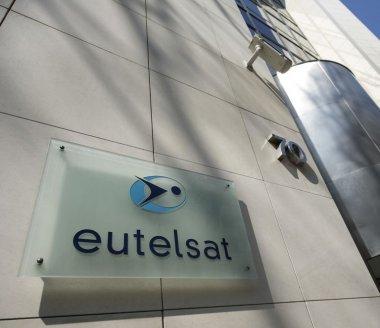 Eutelsat : Eutelsat 65 West A est arrivé à Kourou