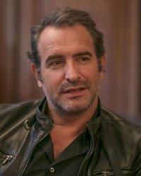 """Jean Dujardin confie sa joie d'être papa d'une petite fille : """"Ça me rend homme"""""""