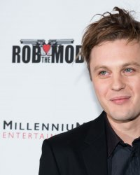 Ghost In The Shell : Michael Pitt affrontera Scarlett Johansson