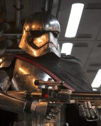 Star Wars 8 : Capitaine Phasma aura une nouvelle arme