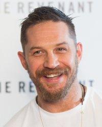 James Bond : Tom Hardy veut Christopher Nolan à la réalisation
