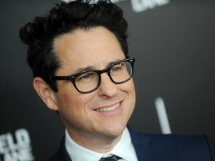 J.J. Abrams à la production d'un film de guerre fantastique