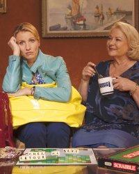 EXCLU - Josiane Balasko et Alexandra Lamy se confient pour Retour chez ma mère