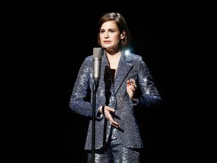 "César 2016 : Christine and the Queens reprend (sobrement) ""It's Only Mystery"""