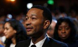 """John Legend a été """"vraiment déçu par Kanye West"""""""