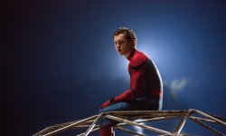 Spider-Man : Tom Holland forcé de porter un string sous son costume