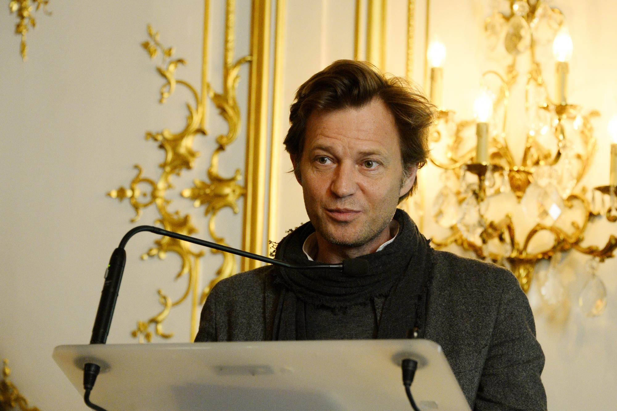 Laurent Delahousse, de la messe du JT aux salles obscures