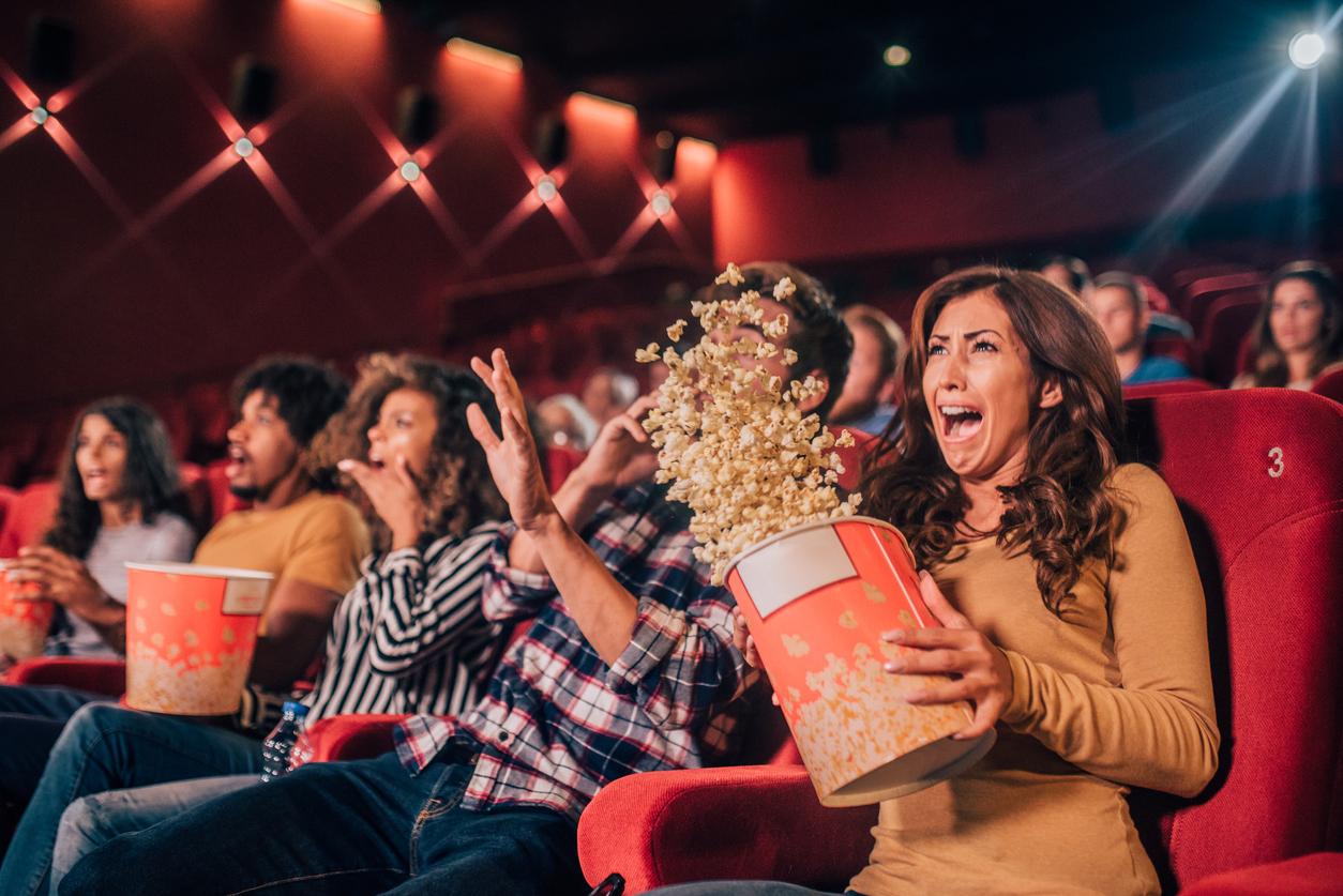 Quinze lycéens font un malaise devant un film d'horreur — Panique au ciné