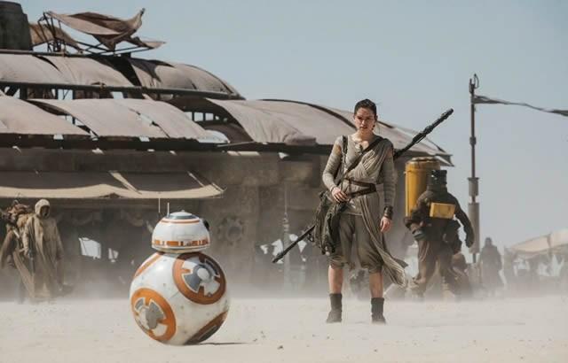 Carrie Fisher confirmée dans STAR WARS 9 en 2019