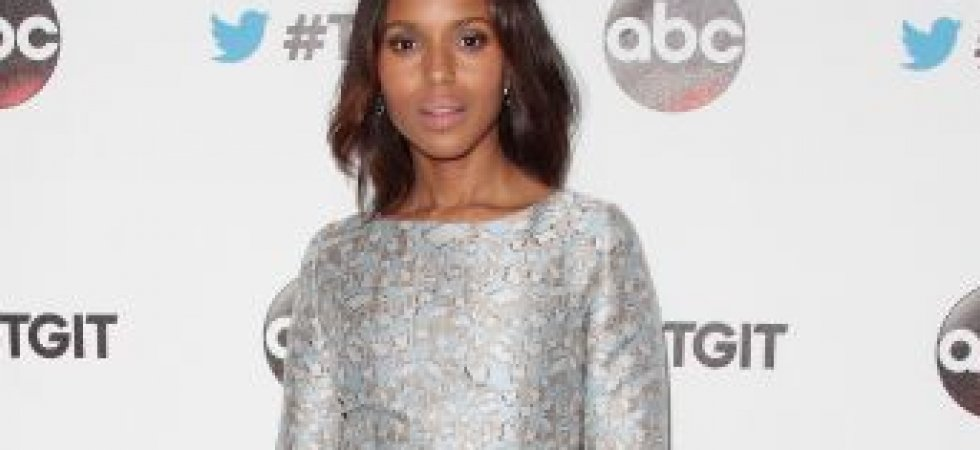Kerry Washington, lumineuse en robe métallique
