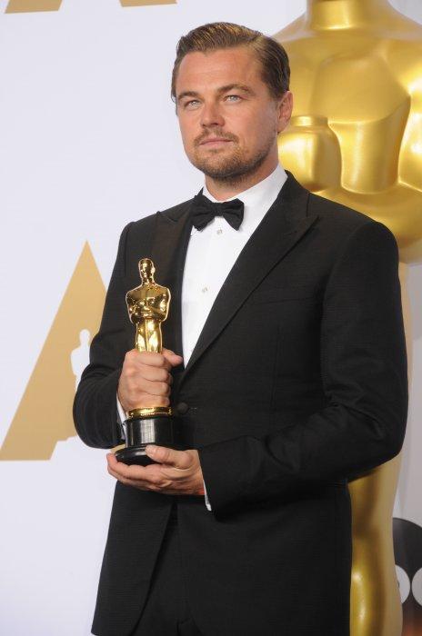 Leonardo DiCaprio lors de la 88e cérémonie des Oscars à Hollywood, le 28 février 2016.