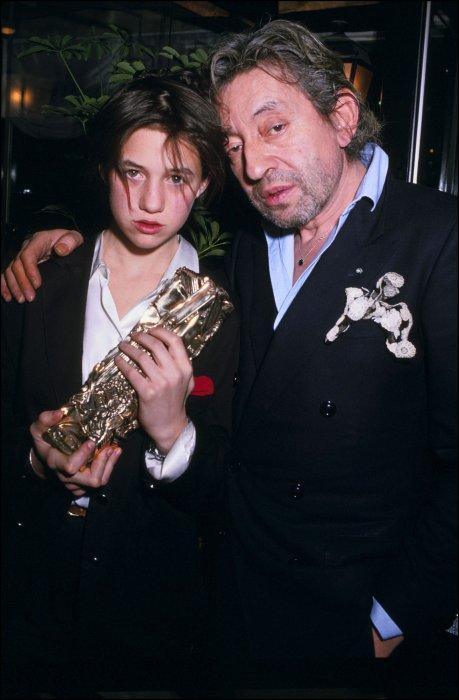 Charlotte et Serge Gainsbourg, lors de la 11e cérémonie des César, à Paris, le 27 février 1986.