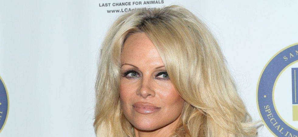 """Pamela Anderson : """"Je ne me suis jamais trouvée jolie"""""""