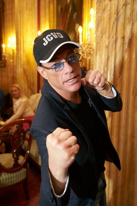 Jean-Claude Van Damme assiste à l\