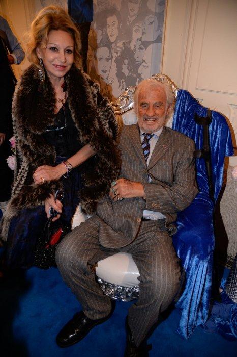 Jean-Paul Belmondo et Béatrice Agenin à la fête donnée par Michou à son cabaret pour son 85e anniversaire à Paris, le 20 Juin 2016.