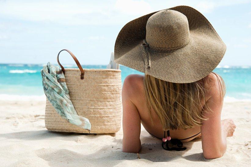La rédaction vous propose de customiser votre panier de plage pour un modèle unique et tendance.