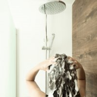 10 gestes à bannir pour prendre soin de sa chevelure