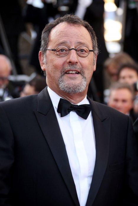 Jean Reno lors de la montée des marches du film The Last Face lors du 69e Festival de Cannes, le 20 mai 2016.