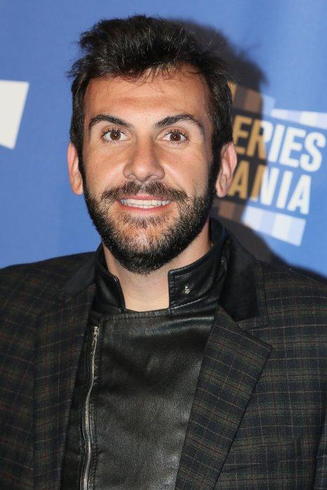 Laurent Ournac pendant le photocall de la série d\