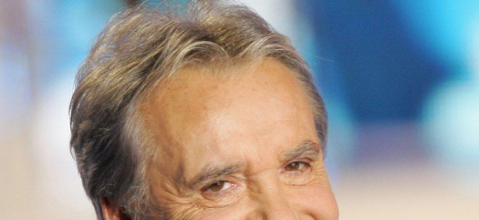 Michel  Sardou : son astuce pour éviter de signer des autographes !