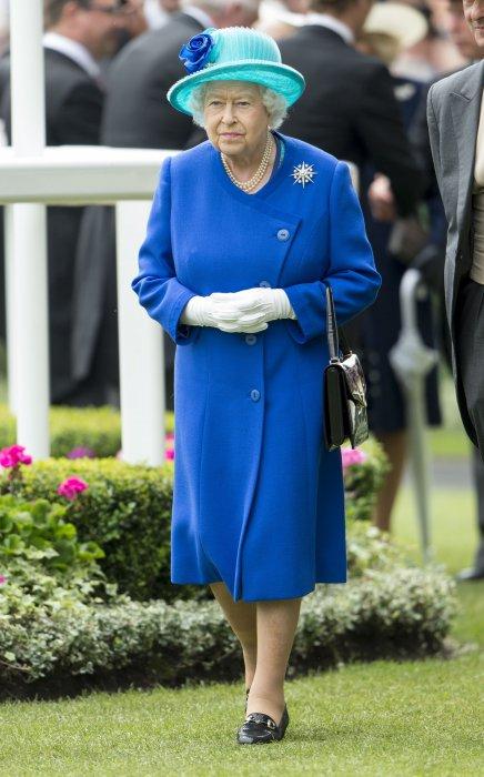 Elisabeth II lors du meeting du Royal Ascot, le 18 juin 2016.