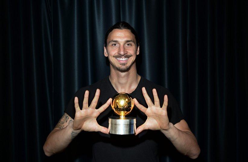 Zlatan Ibrahimovic reçoit son 10ème Ballon d\