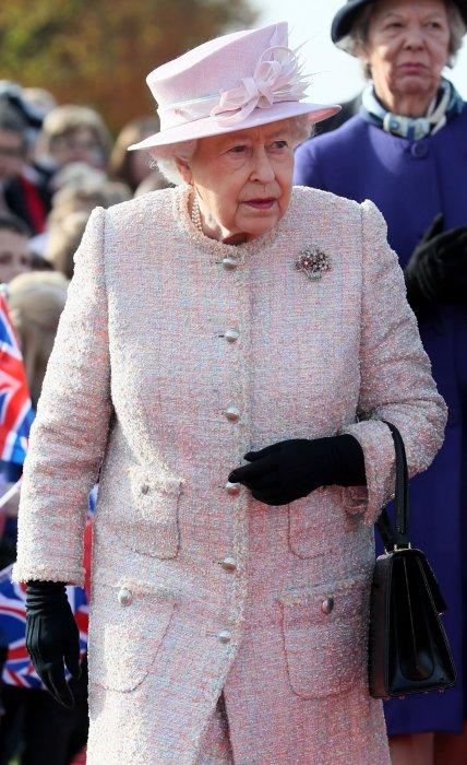 Elizabeth II à l\