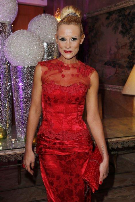 Elodie Gossuin participe à la 38e édition de la cérémonie des Best à Paris, le 15 décembre 2014.