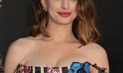 Anne Hathaway déculpabilise les jeunes mamans