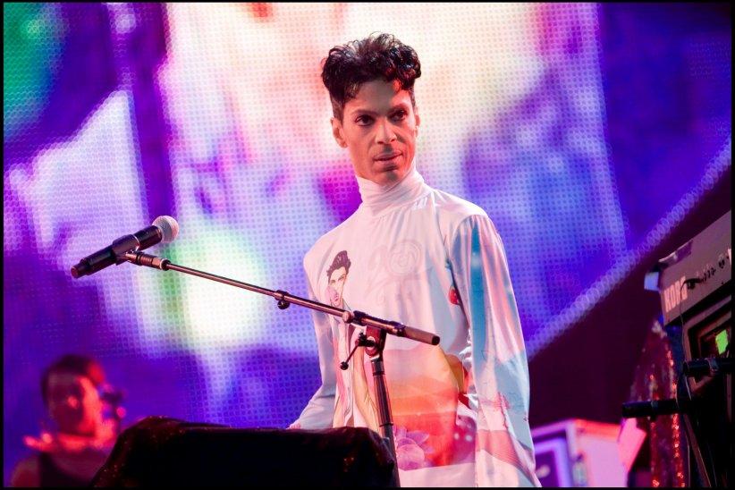 Prince en concert lors du Main Square Festival, à Arras, en 2010.