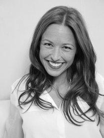 Découvrez la carrière parallèle de Natasha St-Pier