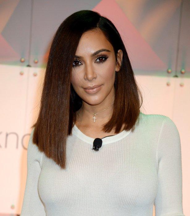 Kim Kardashian et son brushing sleek lors de la conférence BlogHer16 à Los Angeles, le 5 août 2016.