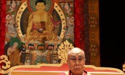 Le dalaï-lama attristé par le divorce des Brangelina