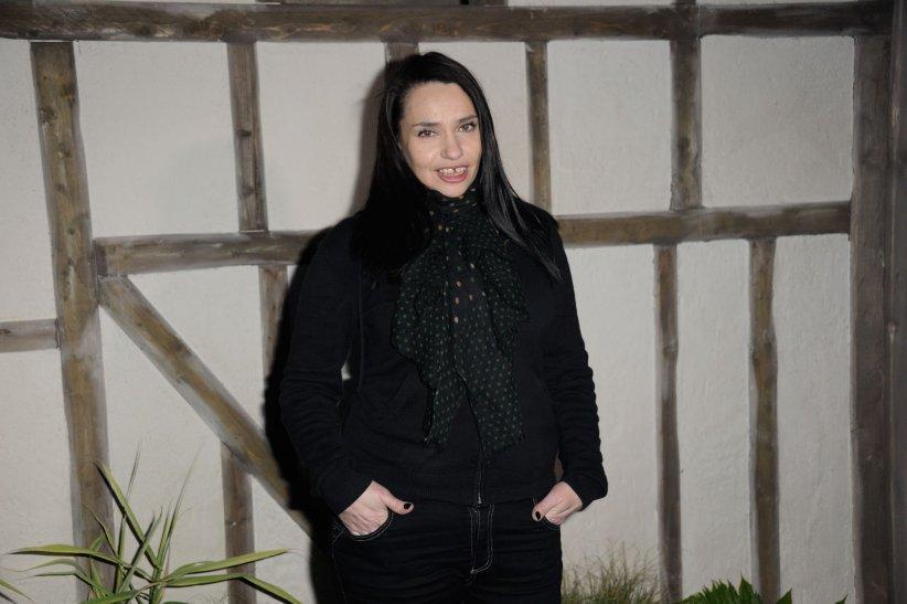 Béatrice Dalle assiste au défilé Zahia Haute Couture à Paris en janvier 2013.