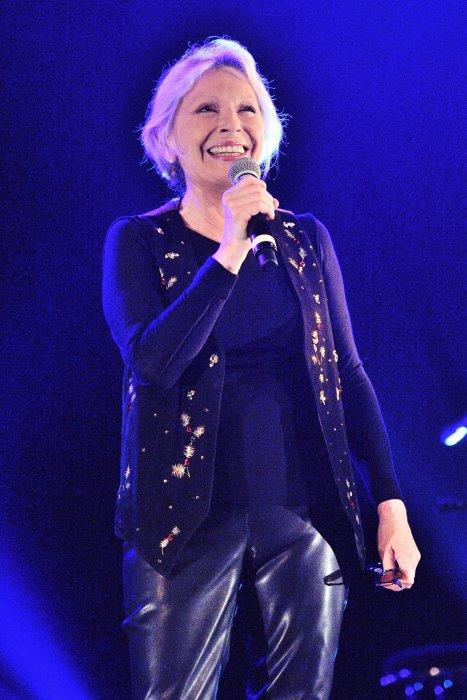 Véronique Sanson participe au concert exceptionnel de Grand Corps Malade au Trianon à Paris, le 17 juin 2016.
