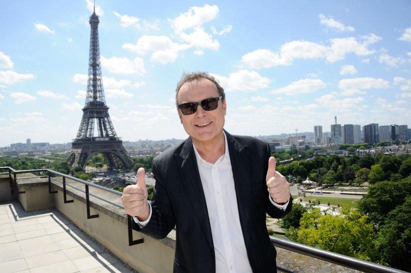 Julien Lepers assiste à la conférence de presse de la rentrée France Télévisions à Paris, le 06 juillet 2015.