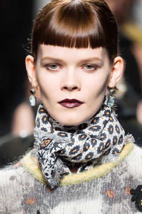 Mise en beauté du défilé automne-hiver 2016 de Bottega Veneta, lors de la Fashion Week de Milan.