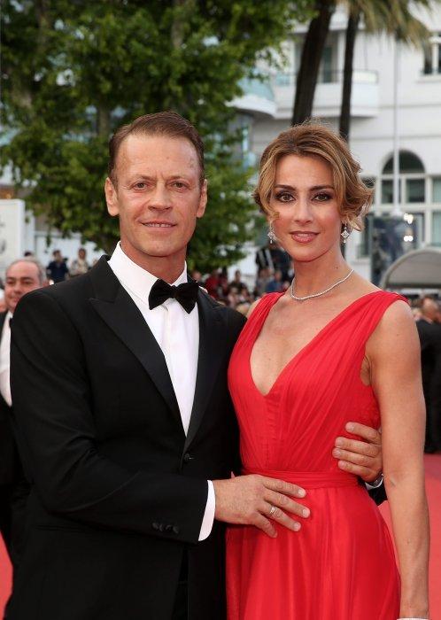 Rocco Siffredi et sa femme Rosa Caracciolo, montent les marches du 69e Festival de Cannes, le 12 mai 2016.
