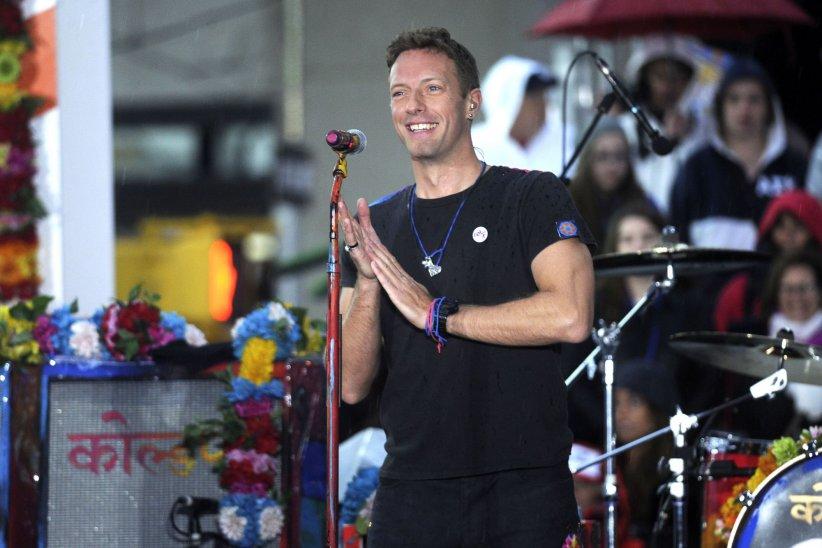 Chris Martin (Coldplay) chante sur le plateau de l\