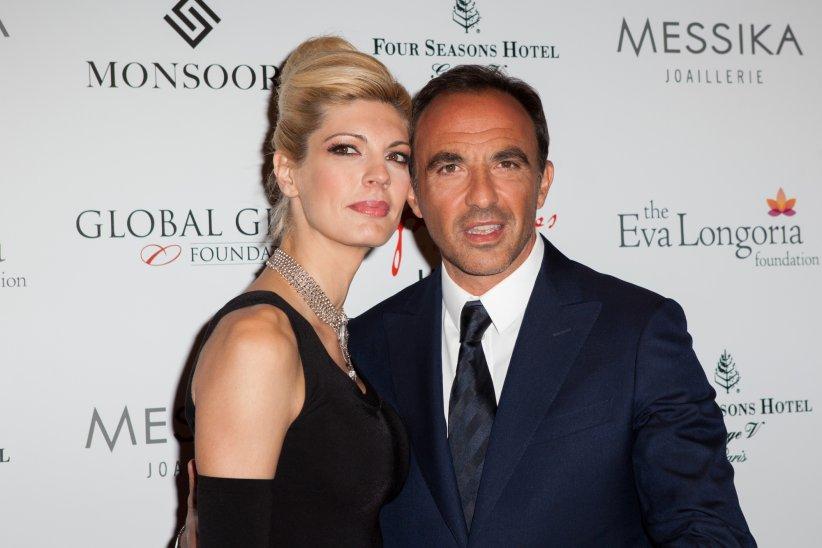 Nikos Aliagas et sa compagne Tina Grigoriou lors du dîner du Global Gift Gala à Paris, le 25 mai 2015.
