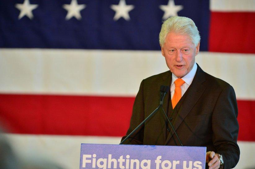 Bill Clinton participe à la campagne de sa femme, Hillary, en Floride, le 15 février 2016.