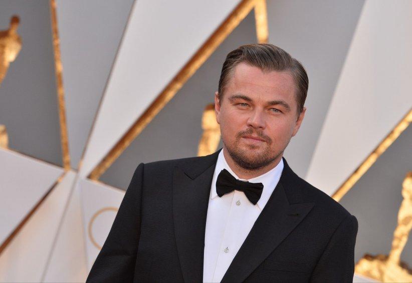 Leonardo DiCaprio sur le tapis rouge de la cérémonie des Oscars à Los Angeles, le 28 février 2016.