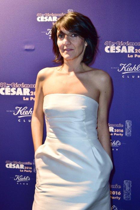 """Florence Foresti à la soirée au club """"Le Queen"""" après la 41e cérémonie des César, le 26 février 2016."""
