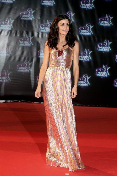 """Jenifer Bartoli à la 18e cérémonie des """"NRJ Music Awards"""" au Palais des Festivals à Cannes, le 12 novembre 2016."""