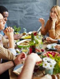 5 bonnes raisons de partager un repas chez un inconnu