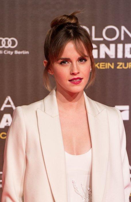 Emma Watson assiste à la première de Colonia à Berlin, le 5 février 2016.